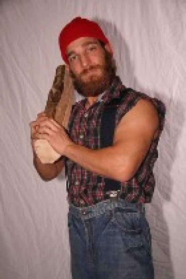 Wrestler Grizzly Redwood (Matt Krizovensky)